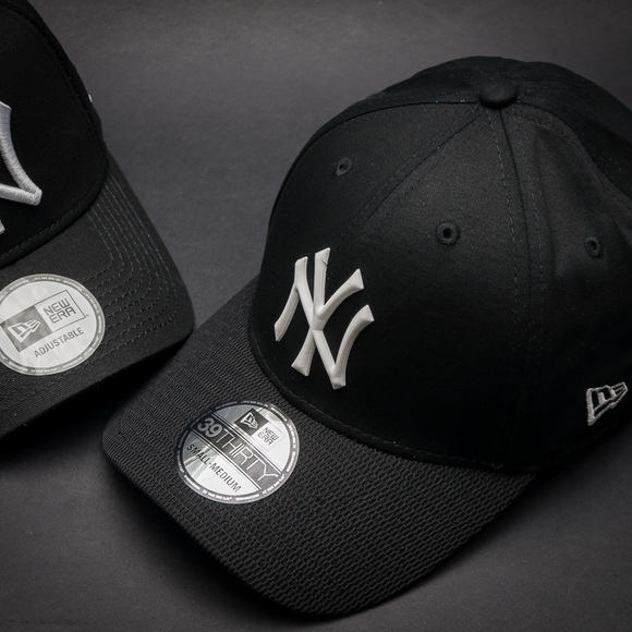 Kšiltovka New Era Rubber Prime New York Yankees Black/White 39thirty Stretchfit