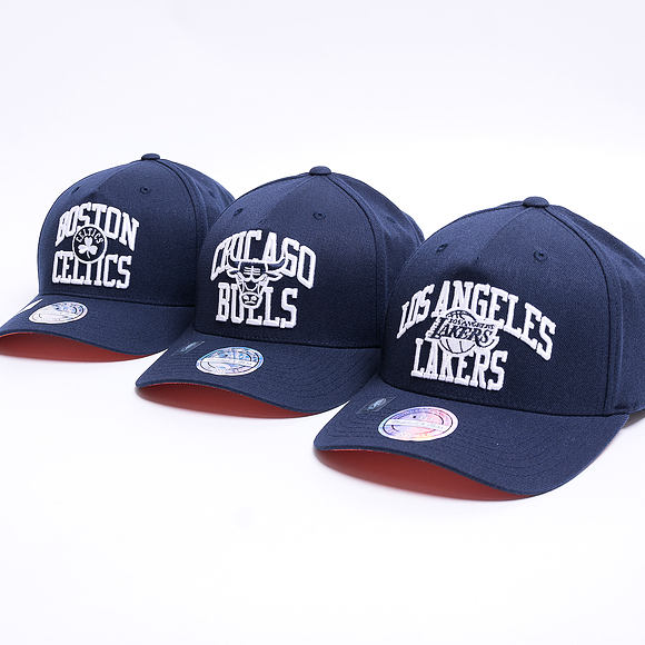 Kšiltovka Mitchell & Ness Chicago Bulls Head Coach Arch Navy 110