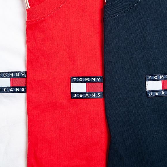 Triko Tommy Jeans TJM TOMMY BADGE TEE 100