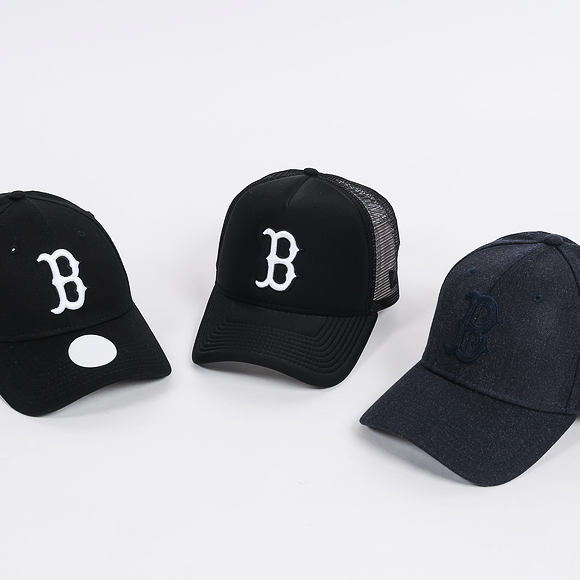 Dámská Kšiltovka New Era Essential Boston Red Sox 9FORTY Black/White Strapback