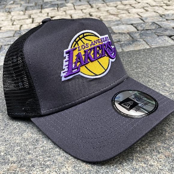 Kšiltovka New Era 9FORTY A-FRAME Trucker NBA Dark Base Team Los Angeles Lakers Graphite