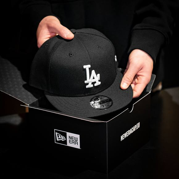 Kšiltovka New Era 59FIFTY MLB Basic Los Angeles Dodgers Fitted Black / White