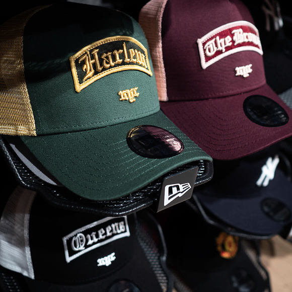 Kšiltovka New Era 9FORTY Trucker Borough