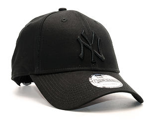 Kšiltovka New Era League Essential New York Yankees 9FORTY Black/Black Strapback