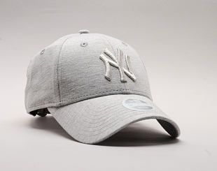 Dámská Kšiltovka New Era Essential Jersey New York Yankees 9FORTY Gray/Silver Wing Strapback