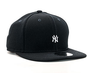 Kšiltovka New Era Border Edge Pique New York Yankees 9FIFTY Navy/White Strapback
