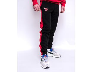 Tepláky New Era Logo Jogger Chicago Bulls Black