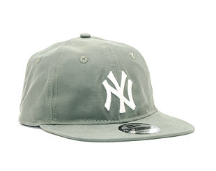 Kšiltovka New Era Light Weight Nylon Packable New York Yankees 9TWENTY New Olive/Off White Strapback