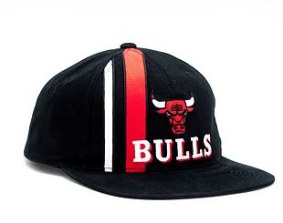 Kšiltovka Mitchell & Ness INTL847 Chicago Bulls Time Stripe Deadstock