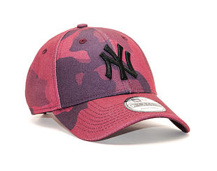Kšiltovka New Era 9FORTY Camo New York Yankees Maroon Camo/Black Strapback
