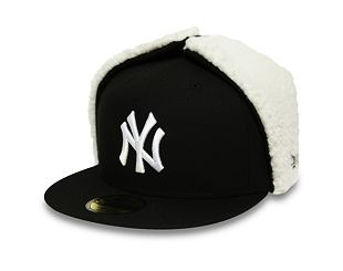 Kšiltovka New Era 59FIFTY Dogear League Essential New York Yankees Black/White