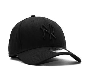 Kšiltovka New Era League Basic New York Yankees Black on Black 39THIRTY Stretchfit