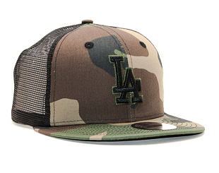Kšiltovka New Era 9FIFTY Trucker Los Angeles Dodgers Essential Woodland Camo/Black Snapback