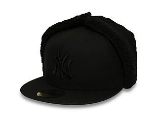Kšiltovka New Era 59FIFTY Dogear League Essential New York Yankees Black/Black