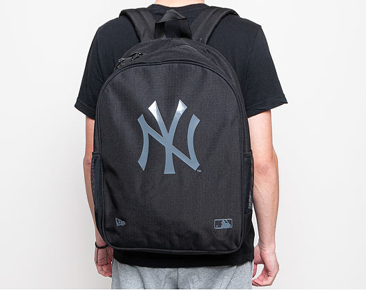 Batoh New Era Essential Pack New York Yankees Black / Graphite