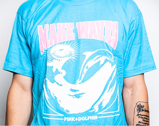 Triko Pink Dolphin Make Waves Sky Blue