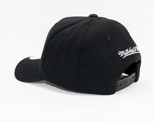 Kšiltovka Mitchell & Ness Milwaukee Bucks 600 Black And White Logo 110