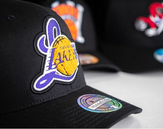 Kšiltovka Mitchell & Ness INTL839 Los Angeles Lakers Letterman 110 Snapback