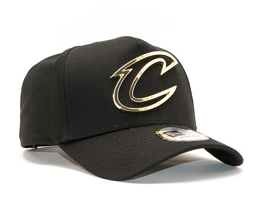 Kšiltovka New Era A Frame Metal Badge Cleveland Cavaliers 9FORTY Black/Gold Snapback