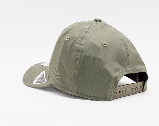 Kšiltovka New Era 9FIFTY Stretch-Snap MLB League Essential New York Yankees Snapback New Olive