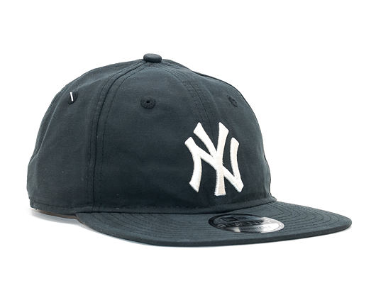 Kšiltovka New Era Light Weight Nylon Packable New York Yankees 9TWENTY Black/White Strapback