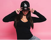 Kšiltovka New Era League Essential Los Angeles Dodgers 39THIRTY Black/White